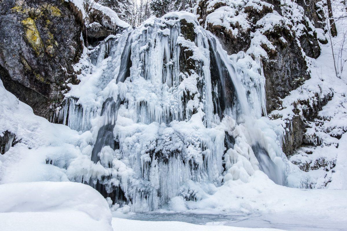 Josefstaler Wasserfall im Winter