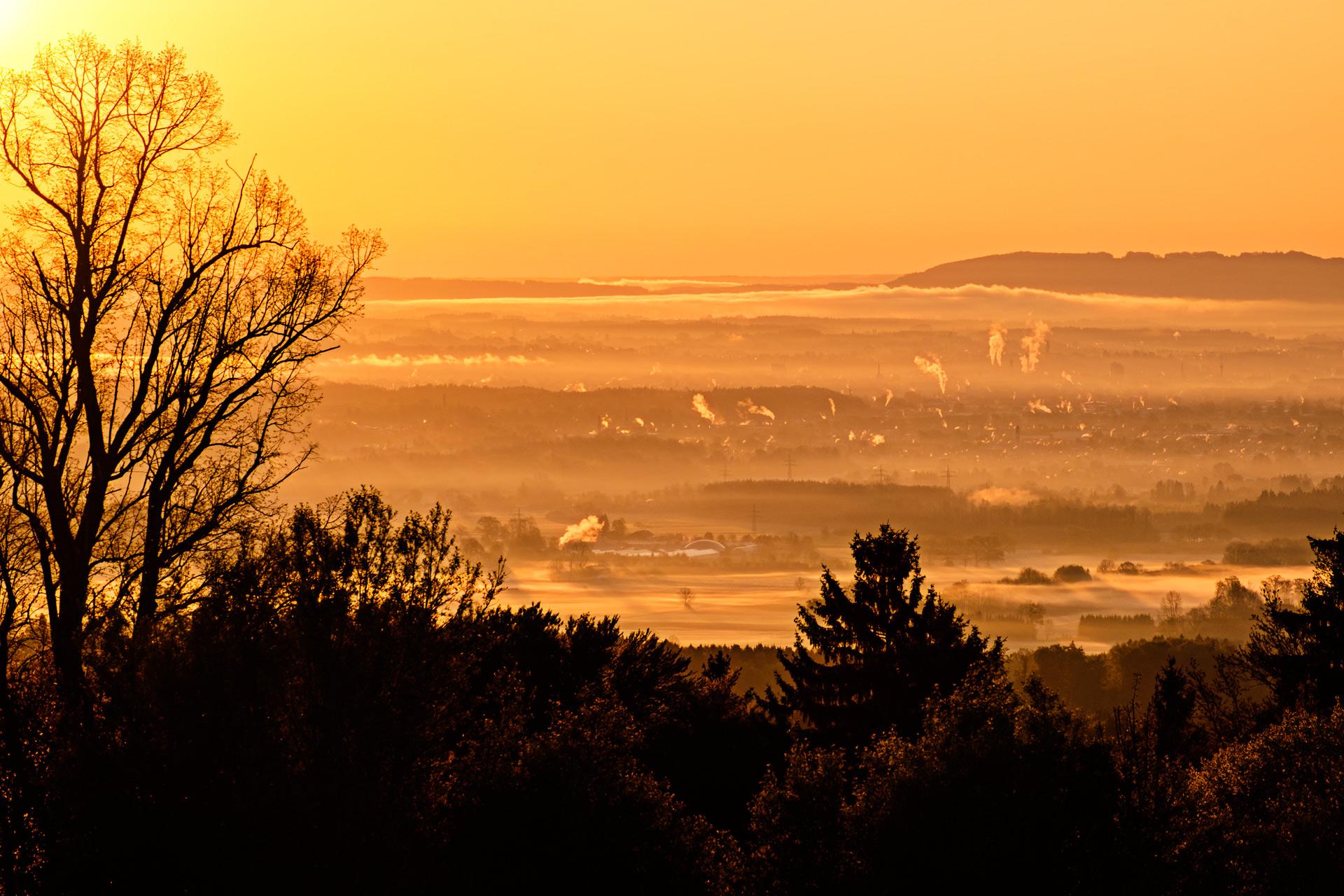 Sonnenaufgang am Irschenberg - Foto mit Blick in das Mangfalltal