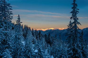 Sonnenaufgang am Kreuzeck im Winter - www.matthias-foto.de
