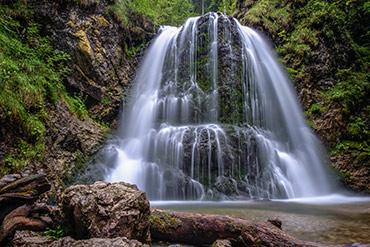 Langzeitbelichtung vom Josefsthaler Wasserfall (Schliersee) - www.matthias-foto.de