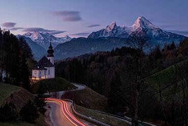 Wallfahrtskirche Maria Gern (Sonnenaufgang) in einer Langzeitbelichtung - www.matthias-foto.de
